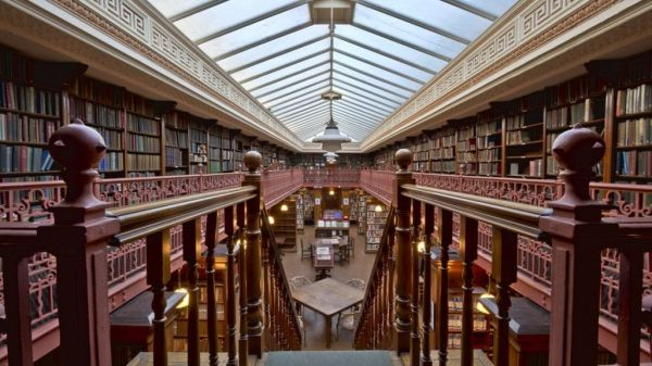 _89032992_the_leeds_library_interior_1